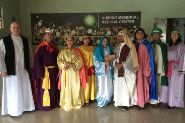 el Voluntariado Idente celebra los Reyes Magos en algunos hospitales de Manila